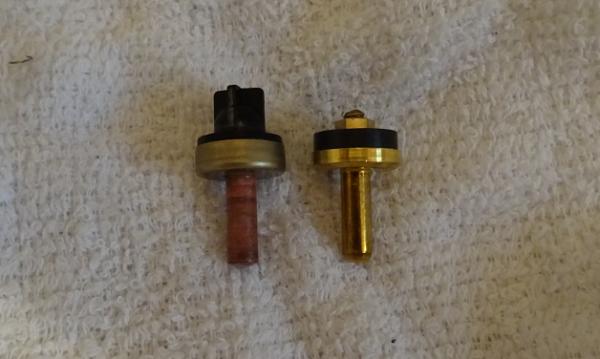 2ハンドル混合栓 節水コマと普通のコマ